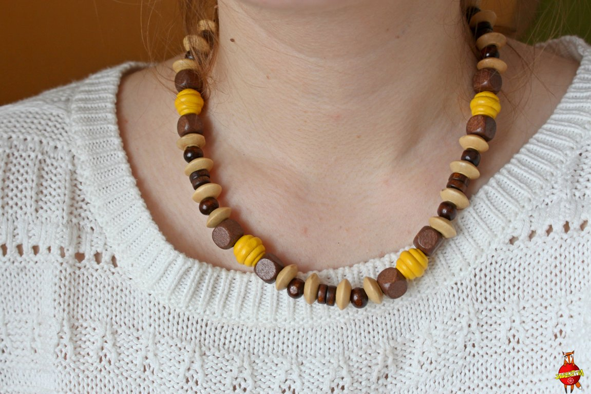 Wooden neckless (chocolate)