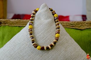 Wooden neckless (brown and yellow)