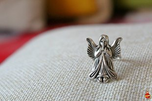 "ring ""A guard angel"""