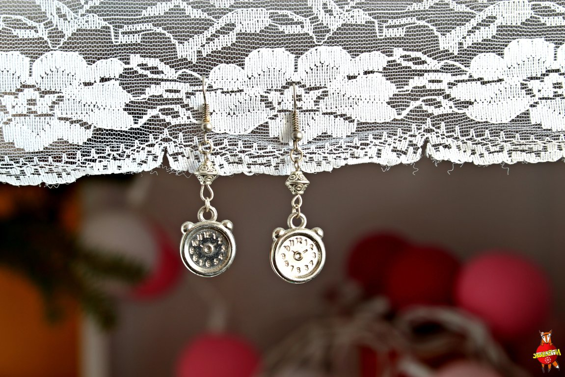 "earrings ""Alarm clock"""