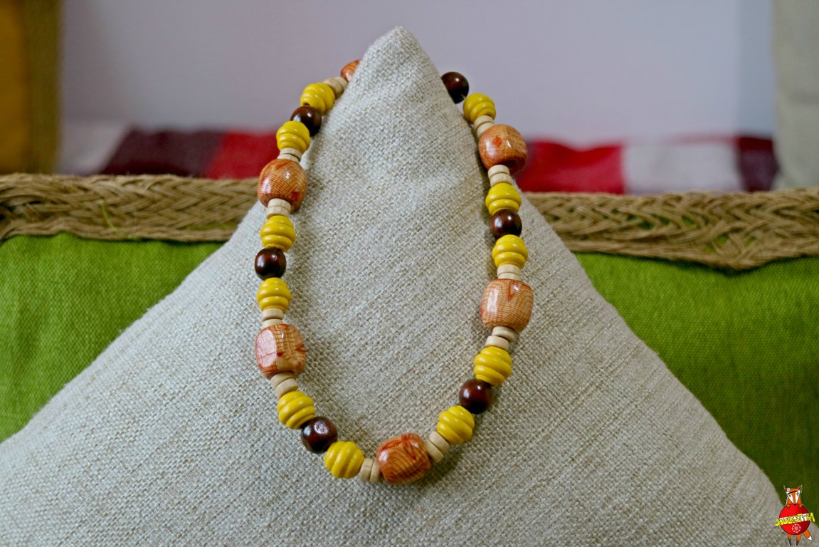 Wooden neckless (brown and yellow folk)