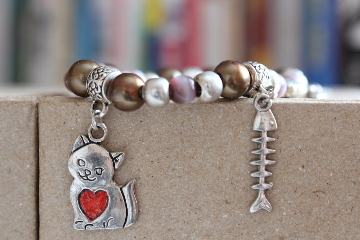 "Bracelet ""Hungry cat"""